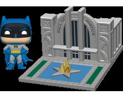 Бэтмен с залом правосудия