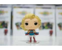 Супергёрл из комиксов DC Comics: Красотки