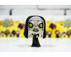 Монахиня демон из фильма Проклятие монахини