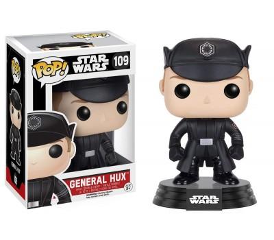 Генерал Хакс из фильма Звездные войны
