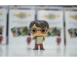 Гарри Поттер с Картой мародеров