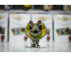 Дилофозавр  из фильма Парк юрского периода