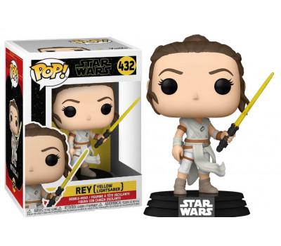 Рей с желтым мечом из фильма Звёздные войны: Скайуокер. Восход
